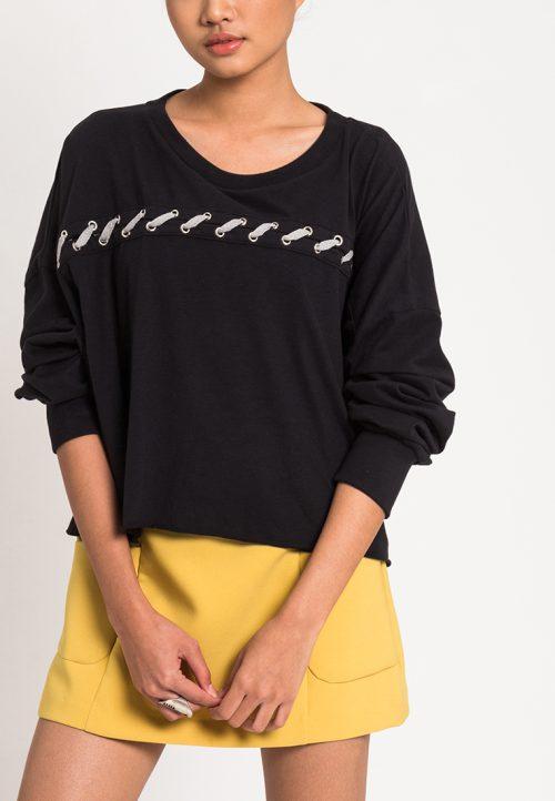 เสื้อจั๊มเปอร์ผู้หญิง Slot-Through Lace Up (ดำ)