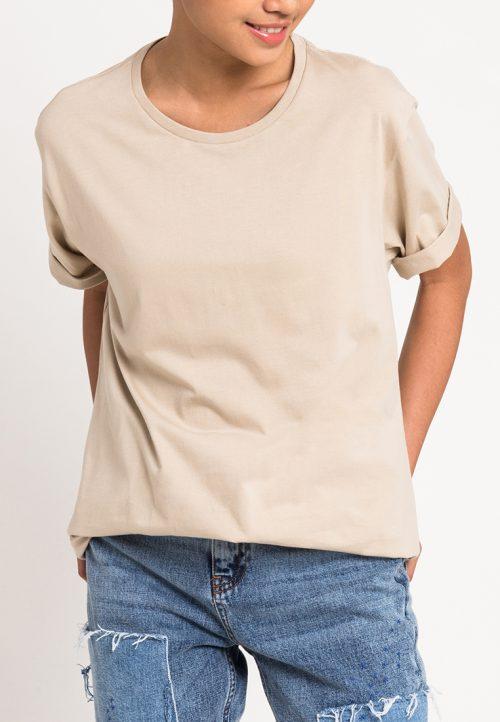 เสื้อยืดผู้หญิง Mono Hi-Low Curved Hem (เบจ)
