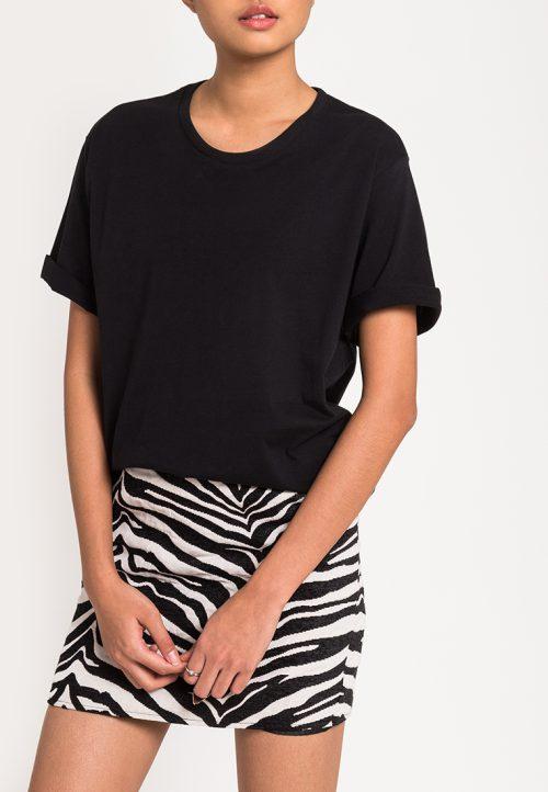 เสื้อยืดผู้หญิง Mono Hi-Low Curved Hem (สีดำ)