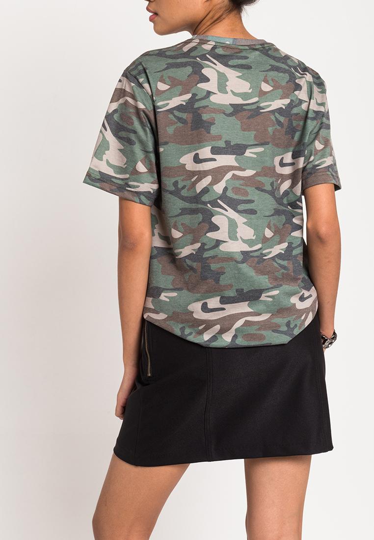 เสื้อยืดผู้หญิง Rock The Rough Camoflaged Ripped Hi-Low (ลายพราง)