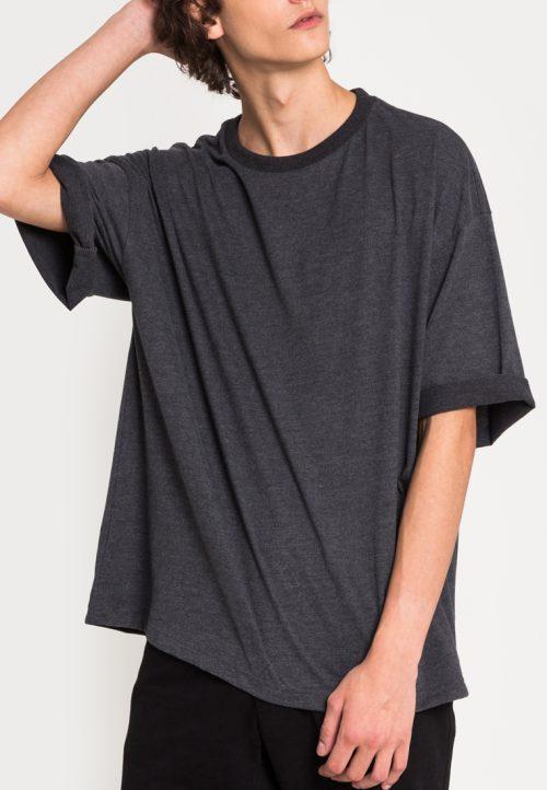 เสื้อยืดผู้ชาย Monochrome Oversized (เทาเข้ม)