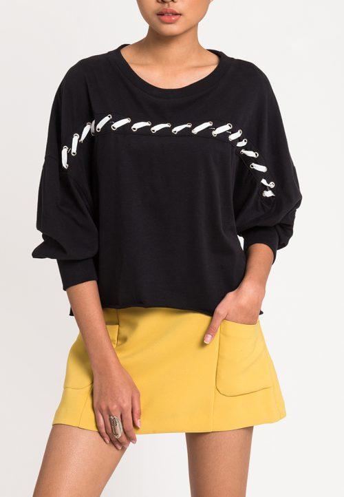 เสื้อผ้าแฟชั่น เสื้อยืดจั๊มเปอร์ผู้หญิง Slot-Through Lace Up (ดำด้ายขาว)