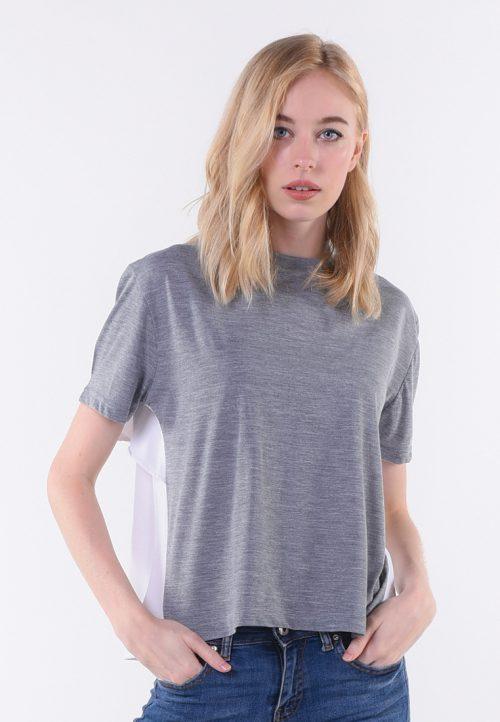 เสื้อยืด T-shirt เล่นจีบสลับสีด้านหลัง ใส่ลูกเล่นสร้างมิติให้เกิดความต่าง ไม่ซ้ำซาก สำหรับสาวมั่นมีสไตล์