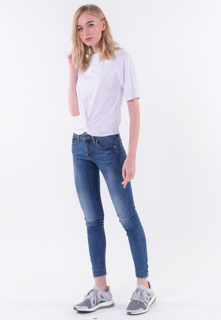 เสื้อยืด T-shirt แขนสั้นไขว้หน้า ความเซอร์บวกกับความซนเซ็กซี่เล็ก ๆ กับเสื้อที เชิต ขาวล้วน ผูกปมหน้า ซ่าส์นิด ๆ