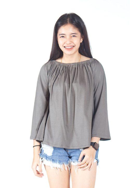 เสื้อเบลาส์ long-sleeves pleated scoop neck (ซีเมนต์)