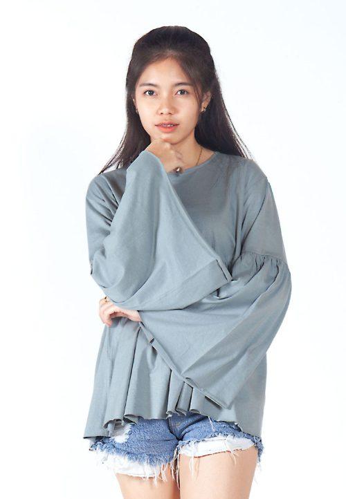 เสื้อเบลาส์ extended Long -Sleeves wide neck (เทา)