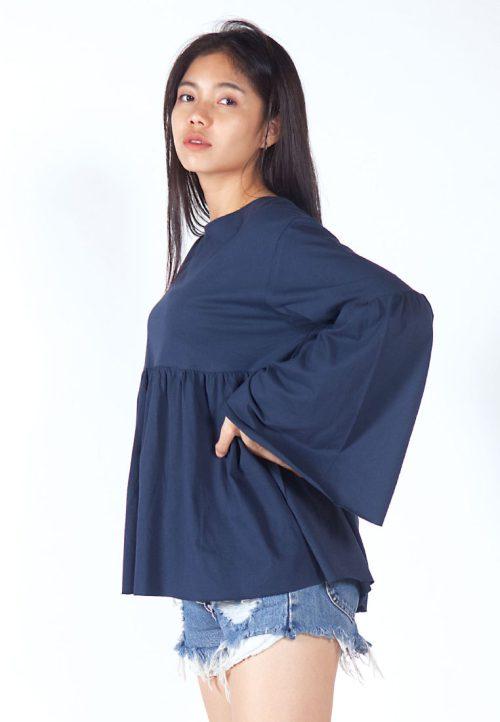 เสื้อเบลาส์ extended Long -Sleeves wide neck (กรมท่า)